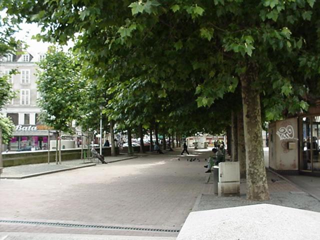Limoges Place de la République Place de la Republique 3.jpg